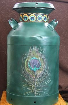 Peacock - Back feather decoration Painted milk can