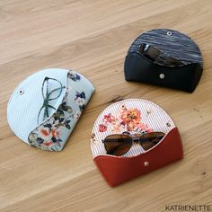 FREE PATTERN : glasses case Katrienette Gratis patroon : briletui Katrienette Sewing Patterns Free, Sewing Tutorials, Free Pattern, Diy Flower Crown, Small Sewing Projects, Learn To Sew, Needle And Thread, Sunglasses Case, Purses
