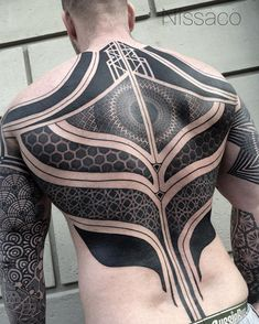 Blackout Tattoo tatuaje negro oddtattooer 6