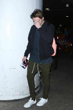 Brooklyn Beckham Photos Photos - Brooklyn Beckham is seen at LAX on October 21, 2016. - Brooklyn Beckham Is Seen at LAX