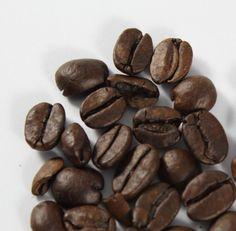 Descafeinado supremo.  Granos de café descafeinado de tostado oscuro, especial para aquellas personas que desean un producto libre de cafeína.