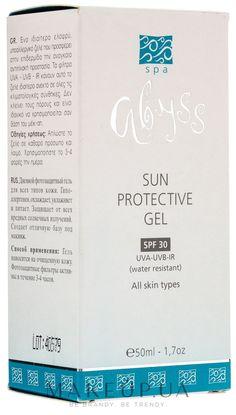 Если вам приходится часто бывать на солнце в теплое время года, позаботьтесь о защите кожи лица от негативного ультрафиолетового воздействия. Палящее солнце пересушивает ее, вследствие чего возникают пигментные пятна, шелушение и другие неприятные проблемы. В состав крема Spa Abyss Sun Protective Gel SPF 30 входят вещества, которые борются с сухостью кожи и наполняют ее всеми необходимыми...