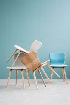Perfect symmetries like the wings of a Butterfly - Butterfly Chair Series by Niels Gammelgaard for Magnus Olesen