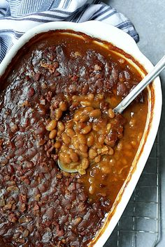 Kicked-Up Canned Baked Beans is an easy and delicious way to make ordinary canned baked beans taste as though you made them from scratch! #beans #bakedbeans #sidedishes #beansidedishes Baked Beans In Oven, Canned Baked Beans, Baked Bean Recipes, Beef Recipes, Cooking Recipes, Soup Recipes, Vegetarian Baked Beans, Bbq Beans, Rice Side Dishes