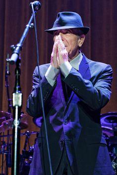 Old Ideas Tour ~ Leonard Cohen played Madison Square Garden (pics, setlist) 12.18.2012    photos by Dana (distortion) Yavin