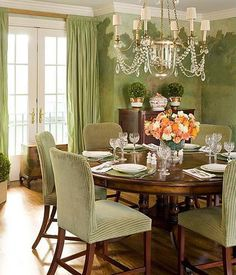 Lattingtown - Meg Braff Interiors - sophisticated simplicity in the Dining Room Green Dining Room, Green Rooms, Dining Room Design, Dining Area, Dining Table, Kitchen Tables, Green Interior Design, Traditional Dining Rooms, Room Chairs