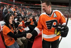 Sight Unseen: Part 1 - Philadelphia Flyers - News Scott Hartnell, Flyers Hockey, Philadelphia Sports, Fly Guy, Nhl Games, National Hockey League, World Of Sports, Ice Hockey