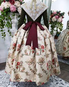 Royal Dresses, Corset, Doll Clothes, Instagram, Costumes, Handmade, Clothing Ideas, Bjd, Dolls