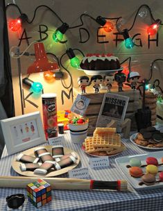 Stranger Things Our Party surprised the guests and hope that you, too, helping you to prepare your own party Stranger Things Stranger Things Theme, Stranger Things Halloween, Stranger Things Aesthetic, Stranger Things Season 3, Stranger Things Funny, Kids Birthday Themes, 13th Birthday Parties, 11th Birthday, Cookies Et Biscuits