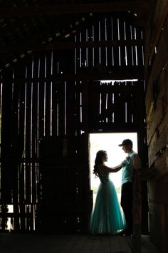 [Photography]Prom Pictures couples barn - Hairstyles For All Prom Pictures Couples, Homecoming Pictures, Prom Couples, Prom Photos, Cute Couple Pictures, Dance Pictures, Prom Pics, Dance Photos, Homecoming Poses