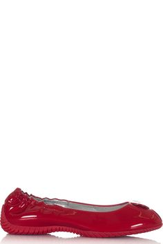 Buy online woman dancers open toe leather by Pirelli PZero  for € 29,00 on Luxyuu. Available now ballet flats open toe round toe leather upper rubber sole stitching metal logo composition: 100% leather color: red http://www.luxyuu.com/pirelli-pzero-dancers-open-toe-leather-P11327.htm