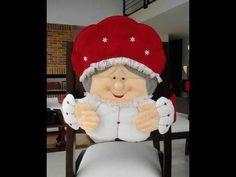 .: CUBRE SILLAS NAVIDEÑOS MOLDES Y VIDEOS GRATUITOS - Autoria y credito en las fotos Christmas Sewing, Christmas Projects, Christmas Holidays, Christmas Decorations, Xmas, Crafts To Do, Felt Crafts, Christmas Chair Covers, Felt Ornaments