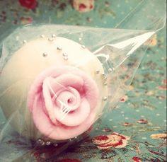 17. Sweet eats or savory treats #modcloth #wedding flower cake pop!