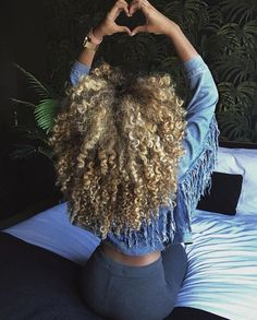 Top 23 Long Curly Hair Ideas of 2019 - Style My Hairs Dyed Natural Hair, Natural Hair Tips, Natural Hair Growth, Natural Curls, Natural Hair Styles, Long Hair Styles, Love Hair, Gorgeous Hair, Big Chop