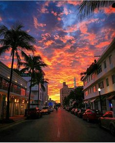 Jan 3 2020 - South Beach sunset - The Best Photos and Videos of Miami (Florida) including Miami Beach South Beach Bri. Beautiful Sunset, Beautiful World, Beautiful Places, Beautiful Pictures, South Beach Miami, Miami Florida, South Florida, Pretty Sky, Sunset Wallpaper