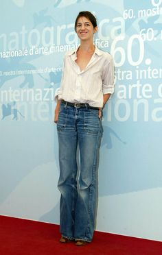 Charlotte Gainsbourg Photos - The Annual International Venice Film Festival, Italy.Pic shows: Charlotte Gainsbourg. Charlotte Gainsbourg, Serge Gainsbourg, Gainsbourg Birkin, Jane Birkin, Moda Chic, Wide Leg Denim, French Actress, French Girls, French Chic