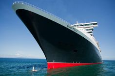 AMAZING! Queen Mary 2's Captain gets to see his #ship from a different angle…