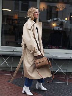 Trench Coat Outfit For Spring # Trench coat of fashion Source by womanfashiontrend Casual Fall Outfits, Office Outfits, Mode Outfits, Chic Outfits, Spring Outfits, Winter Outfits, Fashion Outfits, Womens Fashion, Office Attire