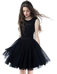 Coquetel Vestido Linha A Decorado com Bijuteria Curto / Mini Tule com Miçangas / Botões de 5140065 2017 por R$337,97