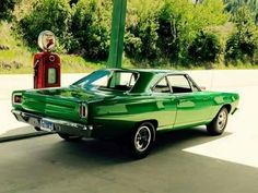 Vintage Motorcycles Muscle Mopar Muscle Cars Awesome 39 - Plymouth has proved competitive in regards Plymouth Muscle Cars, Dodge Muscle Cars, Mopar, Rat Rods, Gp Moto, Us Cars, Road Runner, American Muscle Cars, Vintage Motorcycles