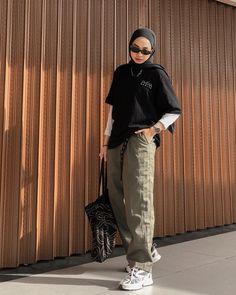 Modest Fashion Hijab, Modern Hijab Fashion, Street Hijab Fashion, Modesty Fashion, Hijab Fashion Inspiration, Muslim Fashion, Tomboy Fashion, Look Fashion, Streetwear Fashion