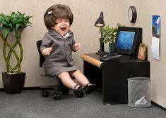 Une enfant face à l'horrible réalité de ce qu'elle deviendra un jour :