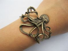 octopus bracelet---antique bronze octopus pendant,alloy bracelet. via laceinspring on Etsy.