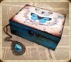 Ideas For Jewerly Box Handmade Shabby Chic Decoupage Box, Decoupage Vintage, Cigar Box Art, Shabby Chic Boxes, Painted Wooden Boxes, Memories Box, Wooden Jewelry Boxes, Personalised Box, Home And Deco