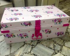 Trousseau Packing - Light pink with hot pink Elephant print Trunk for trousseau packing Quirky Home Decor, Indian Home Decor, Diy Home Decor, Painted Trunk, Painted Boxes, Recycled Furniture, Home Decor Furniture, Trunk Makeover, Trousseau Packing