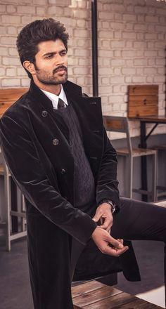 Bollywood Actors, Bollywood Celebrities, Telugu Hero, Vijay Actor, Vijay Devarakonda, Mahesh Babu, Indian Celebrities, Hrithik Roshan, Haircuts For Men