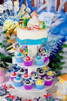 Maria I's Birthday / Club Penguin - Photo Gallery at Catch My Party Penguin Birthday, Penguin Party, Club Penguin, Birthday Club, Birthday Parties, Cupcake Recipes For Kids, Penguin Cakes, Fun Cupcakes, Get The Party Started