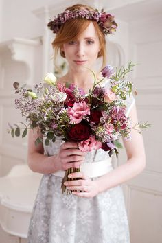Labude Élegance-Kollektion: farbige Romantik für das Standesamt BRAUTKLEIDER LABUDE FOTOGRAFIE DOREEN KÜHR http://www.hochzeitswahn.de/inspirationsideen/labude-elegance-kollektion-farbige-romantik-fuer-das-standesamt/ #bride #wedding #dress