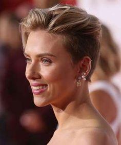 Com um corte pixie estilizado, a atriz adotou o undercut com franja e provou que…