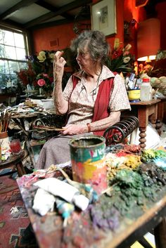 Margaret Olley in her studio in Paddington on November 17, 2005 in Sydney, Australia. Margaret Olley is one of Australia's most well known interior and still life painters. (Source: Patrick Riviere/Getty Images AsiaPac)