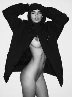Nude pictures of Emily Ratajkowski Uncensored sex scene and naked photos leaked. Emily Ratajkowski, Beauty Art, Beauty Women, Icarly Actress, Fitness Models, Gone Girl, Rihanna Fenty, Playboy, Body