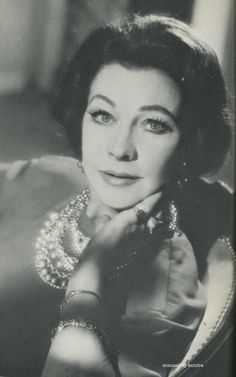 One of the last portraits taken of Vivien Leigh before she died in 1967. Photo by Angus McBean.