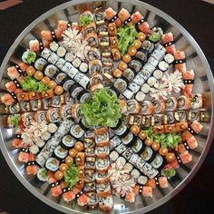 Image about food in Nourriture by Chocofromage Think Food, I Love Food, Good Food, Yummy Food, Healthy Breakfast Recipes, Easy Healthy Recipes, Japanese Food Sushi, Hawaian Party, Sushi Party