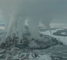 Tar Sands Art: Dramatic photograph of Alberta, Canada tar sands production facility. Alberta Tar Sands mining is contributing heavily to global warming. Pollution Environment, Air Pollution, Oil Sands, Sand Art, Environmental Issues, Green Life, Global Warming, Destruction, Mother Earth