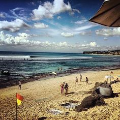 Life's a beach ☀️💦🌴 ___________________________ #bali #balilocal #love #travel #jetsetter  #beautiful #summer #holidays #sun #bikini #resorts #instadaily #picoftheday #pool #asia #wanderlust #happydays #bliss #paradise #cocktails #thisisbali #love #inspo #ocean #beach #bucketlist #travelgram #goals #sunshine #happy 📷 by @kusi901