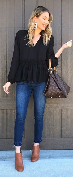 These trending pretty outfit ideas are to protect us from the chilly weather in this winter. These outfits are very fashionable and followed by most fashion-forward women across the world. #womenclothingoutfits