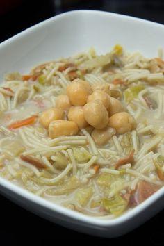 Sopa juliana con garbanzos y jamón
