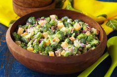 Ensalada tropical con brócoli