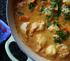 Indian-style Coconut Fish Curry - tried it n its very good! Reduce chili flakes to half next time. Marinade fish w buttet chicken mix. Healthy Family Meals, Kids Meals, Easy Meals, Coconut Fish, Thai Coconut, Coconut Curry, Best Fish Recipes, Favorite Recipes, Sarah Graham