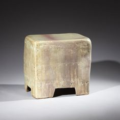 // Hun-Chung Lee, Ceramic Stool, 2010.