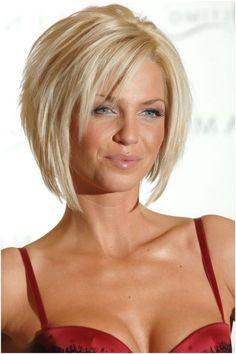 Lagerte Bob Frisur für blondes Haar