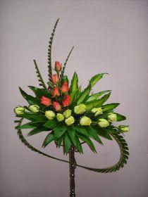 Church Flower Arrangements, Floral Arrangements, Easy Food Art, Dozen Roses, Feather Headpiece, Altar Decorations, Simple Flowers, Bridal Flowers, Casket