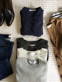 30+ Everlane Pieces Reviewed, with styling tips and sizing advice.  So helpful before ordering!