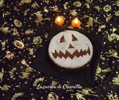 #halloween #tortacioccolato #zucca #pumpkincake #hl2019 Biscotti, Christmas Bulbs, Crafting, Holiday Decor, Birthday, Birthdays, Christmas Light Bulbs, Crafts To Make, Crafts
