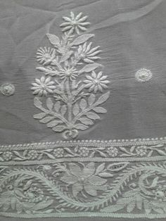 Lucknowi Chikan [*Sfq*]