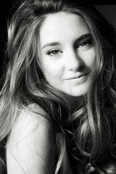 shailene woodley, she reminds me of Becky @Jess Liu Sutton Depew @Shannon Bellanca Bellanca Samples @Leslie Riemen Jarnigan